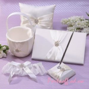 wedding-collection-set-wedding-favors-a-set-of-5-basket-pillow-pen-guestbook-garter-in-beige
